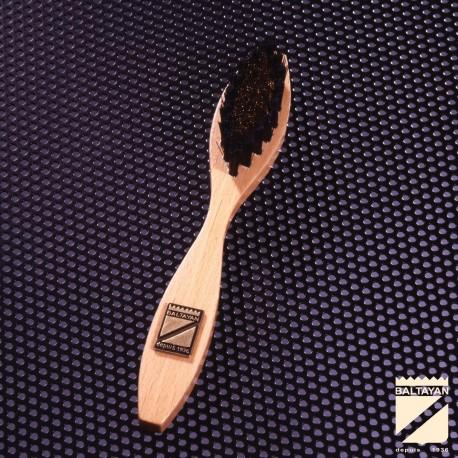 Brosse soie laiton pour chaussure en daim et nubuck
